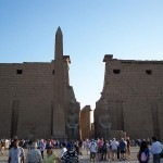 1024px-Luxor_Temple_May_26_2007